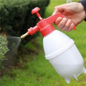 Conheca-as-ferramentas-basicas-para-jardinagem-pulverizador